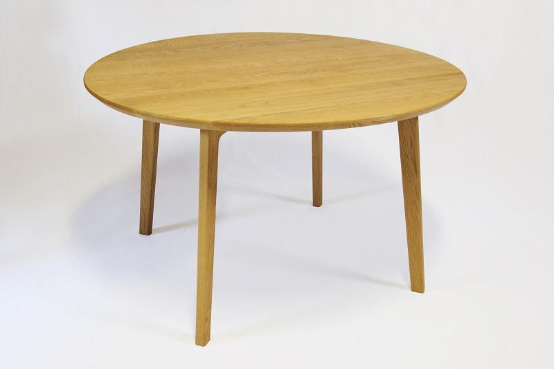 ナラ材の円卓(丸テーブル)です。
